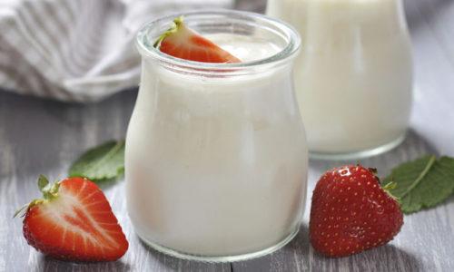 Cách làm sữa chua phô mai thơm ngon xua tan ngày hè nóng bức