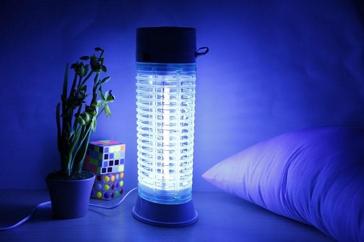 Đèn bắt muỗi bằng điện