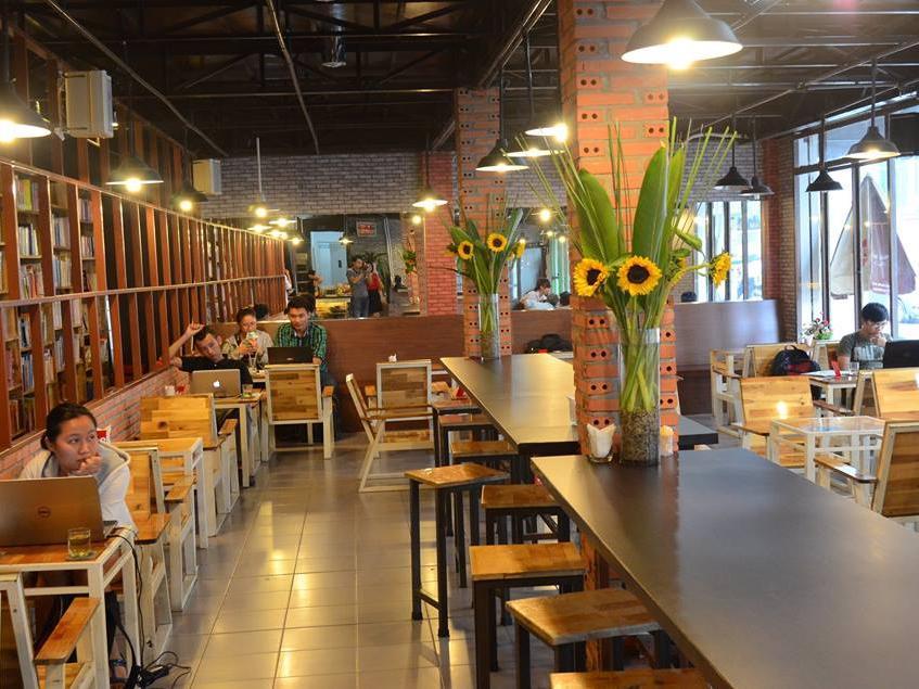 Hub Book Coffee quán cà phê sách nổi tiếng tại Sài Gòn