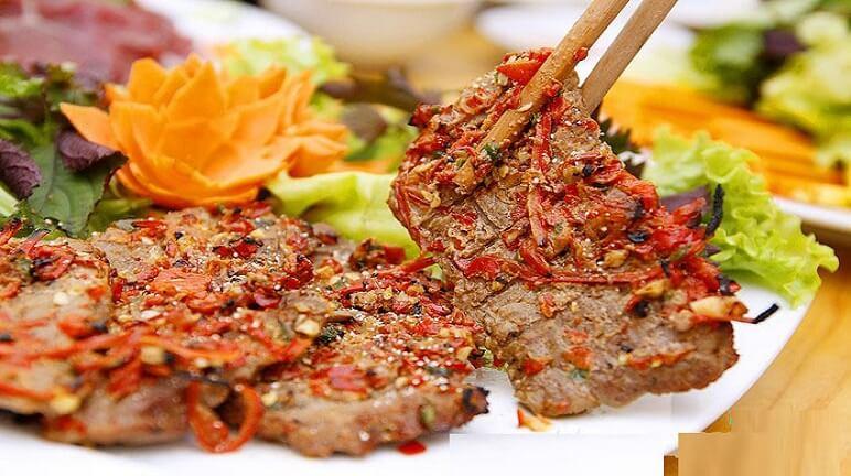 Bò nướng sa tế tại Halal Sài Gòn