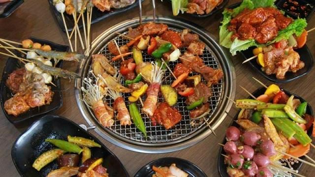Quán nướng Lang Thang – xiên que và lẩu tự chọn