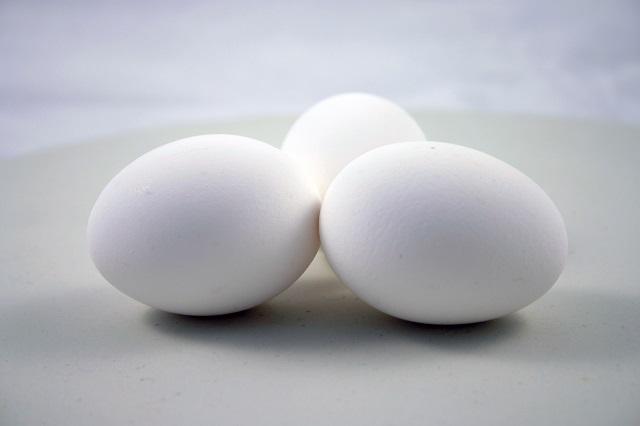 Rửa sạch trứng