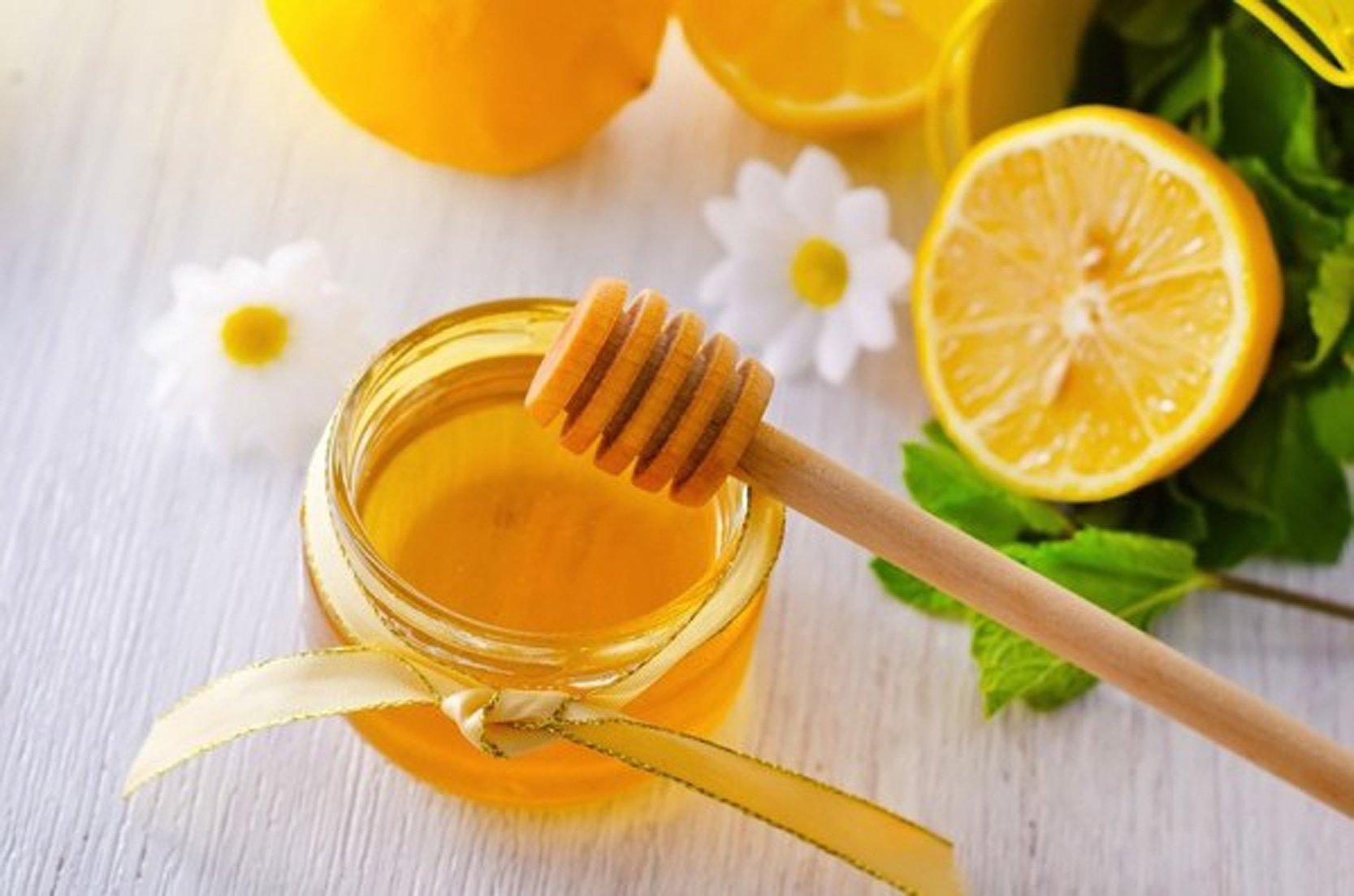 Nước chanh mật ong có tác dụng giảm cân hiệu quả.