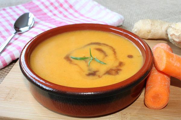 Bột gạo với carot cho bé