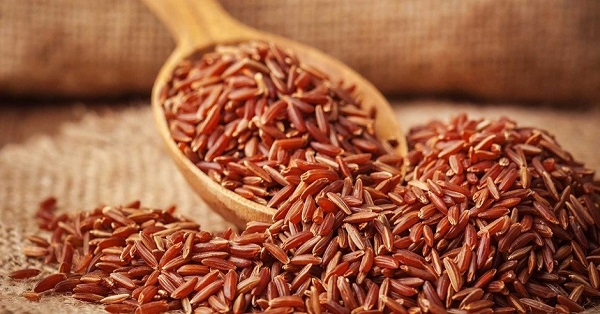 Mẹ sẽ chọn gạo lứt làm nguyên liệu nấu cháo cho bé