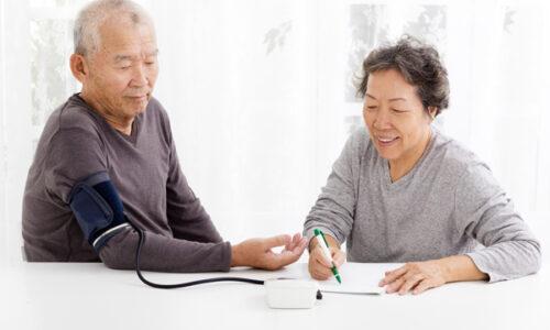Top 5 máy đo huyết áp tốt và chính xác nhất 2021