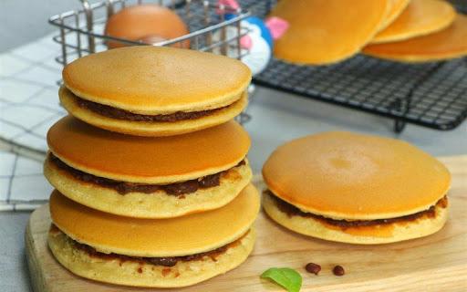 Bánh rán Doraemon làm từ bột mì