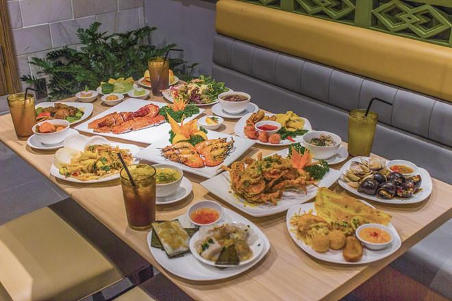 Món ăn tại Hoàng Yến buffet
