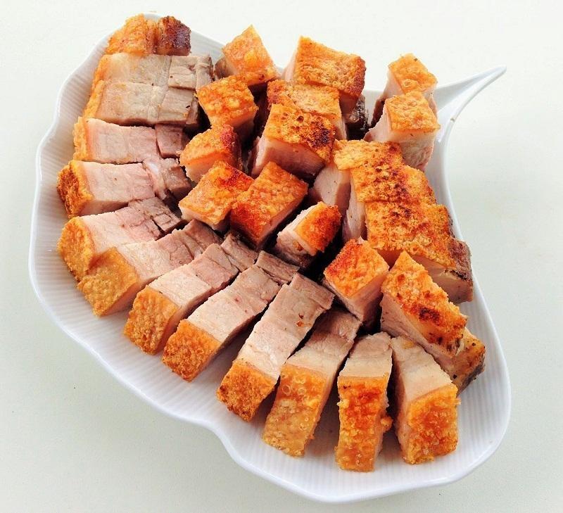Cách làm thịt quay bằng lò nướng đậm đà