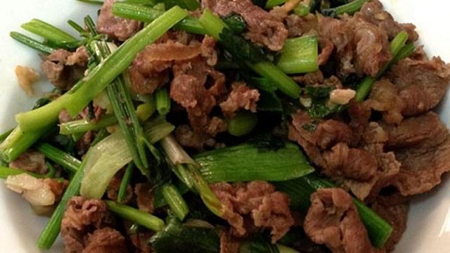 Cách xào thịt bò với cần tây