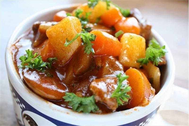 Cách nấu gân bò sốt vang ngon đúng vị