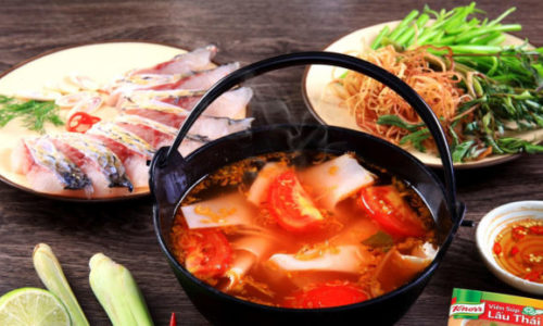 Cách nấu lẩu cá hồi măng chua thơm ngon tại nhà – Góc chia sẻ cẩm nang vào bếp