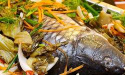 Cách nấu cá chép om dưa thịt ba chỉ thơm lừng nóng hổi 3