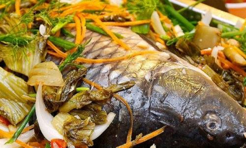 Cách nấu cá chép om dưa thịt ba chỉ thơm lừng nóng hổi