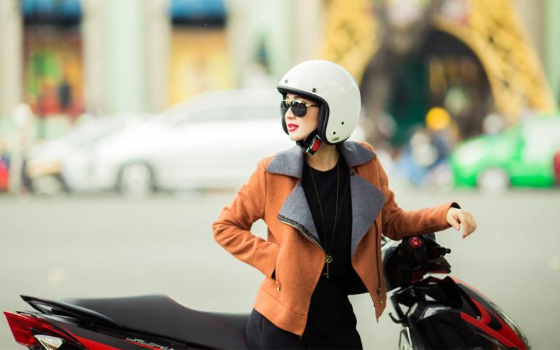 Mũ bảo hiểm 3/4 đem lại phong cách thời trang chất ngất