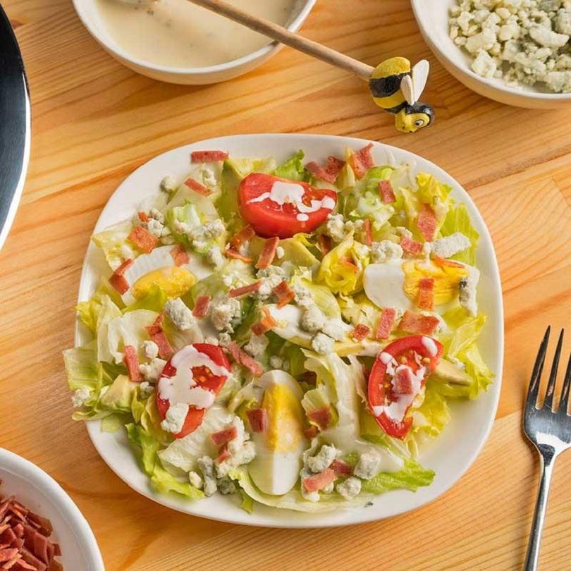 Salad rau đã trở thành món ăn không thể thiếu trong thực đơn ăn kiêng