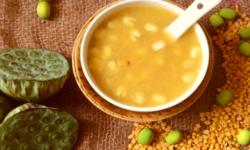 Cách nấu chè hạt sen tươi với đậu xanh thanh mát giải nhiệt mùa hè 3