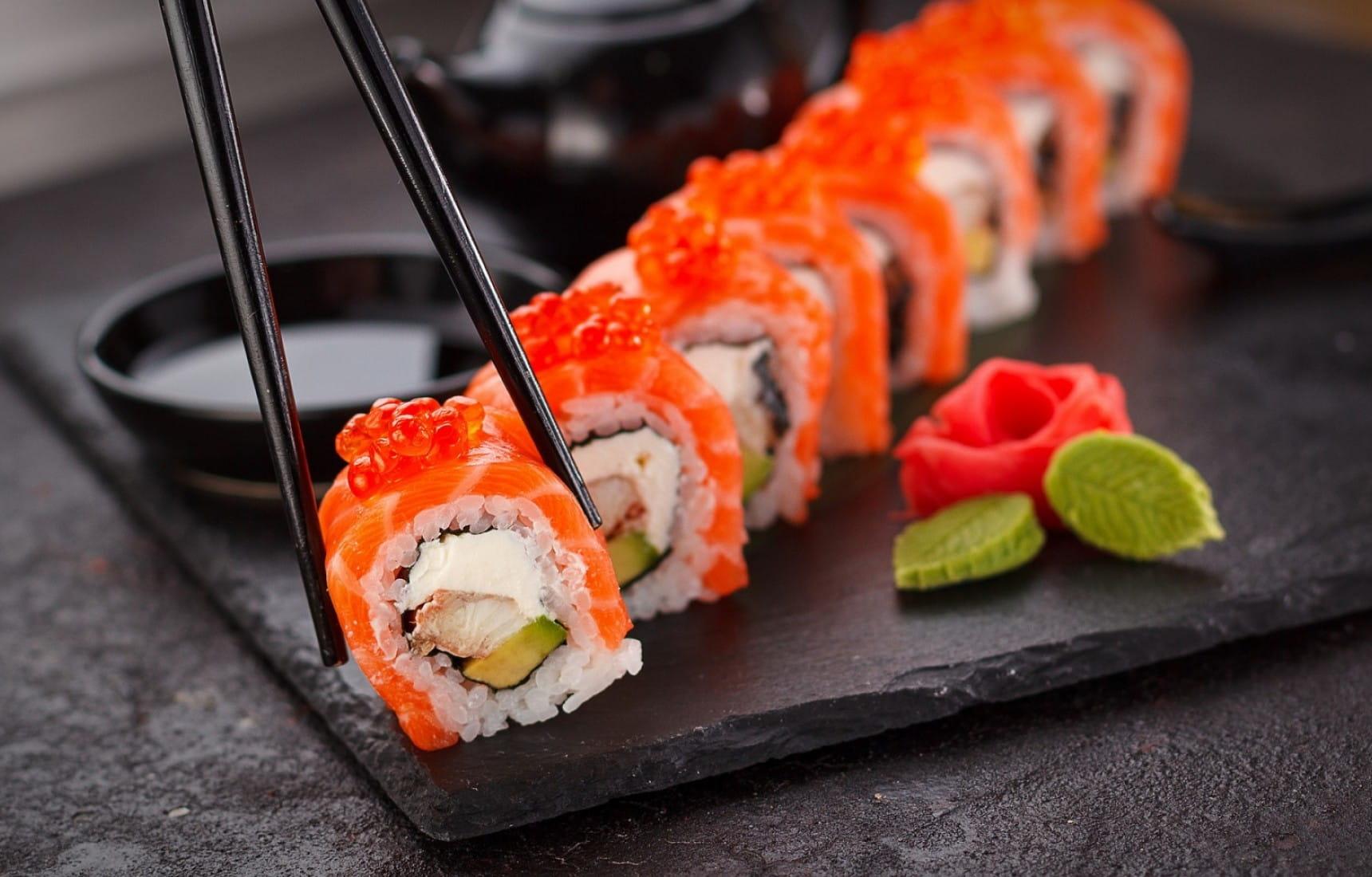 Cách làm sushi của Nhật dễ dàng nhưng rất ngon miệng.