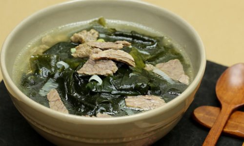 Cách nấu canh rong biển chuẩn Hàn Quốc cực ngon và đơn giản