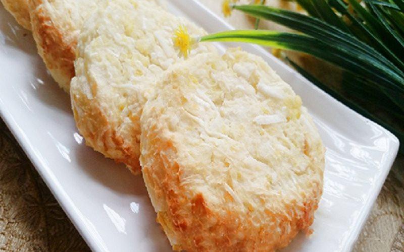 Thành phẩm bánh khoai mì nướng thơm ngon tại nhà