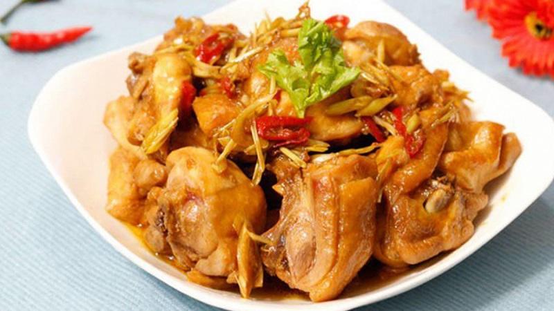 Trổ tài nấu ăn với món gà kho sả ớt thơm ngậy, cay nồng hấp dẫn