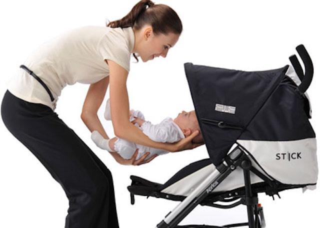 Kinh nghiệm chọn mua xe đẩy em bé cho bố mẹ
