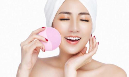 Top 5 máy rửa mặt tốt nhất làm sạch da chuyên sâu 2021