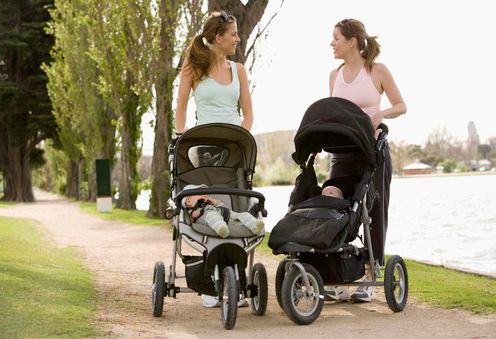 Tại sao nên sắm một chiếc xe đẩy cho bé?