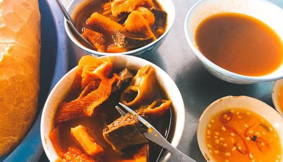 Thưởng thức món ăn đậm đà