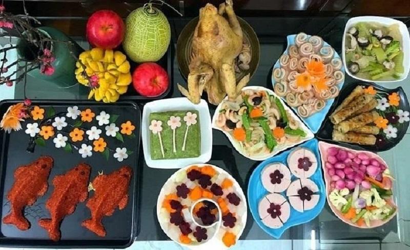 Cúng ông Táo là phong tục hàng năm của người dân Việt.