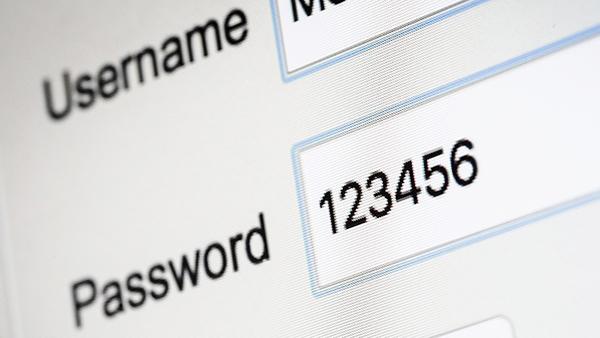 Không đặt mật khẩu quá dễ