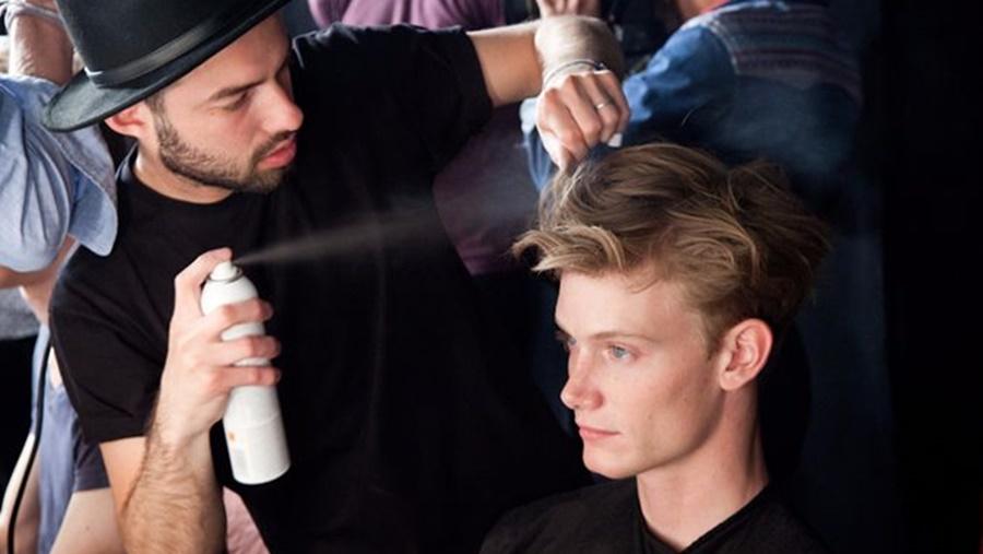 Hướng dẫn sử dụng keo xịt tóc chuẩn nhất