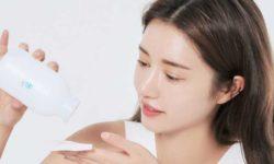 Top 5 nước tẩy trang giúp chị em làm sạch lan da chuyên sâu 63