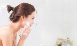 Top 5 sữa rửa mặt tốt nhất giúp chị em làm sạch da chuyên sâu 7