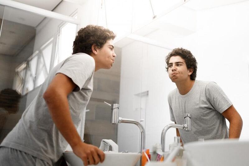 Vì sao nên sử dụng nước súc miệng?