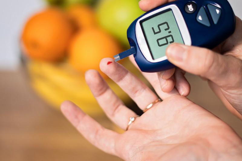 Máy đo đường huyết giúp kiểm soát tốt chỉ số đường huyết
