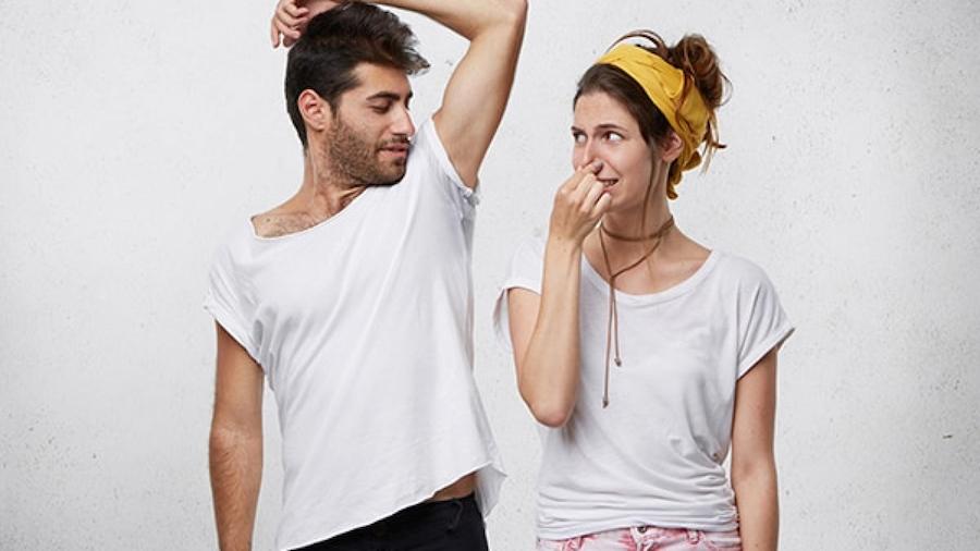 Tại sao nên sử dụng lăn khử mùi nam