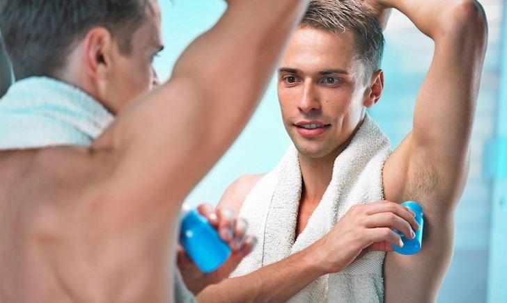 Hướng dẫn sử dụng lăn khử mùi nam đúng cách