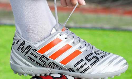 Top 5 mẫu giày đá bóng siêu chất dành cho phái mạnh 12