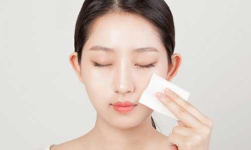 Top 5 loại giấy thấm dầu loại sạch lớp dầu thừa trên làn da chị em 11