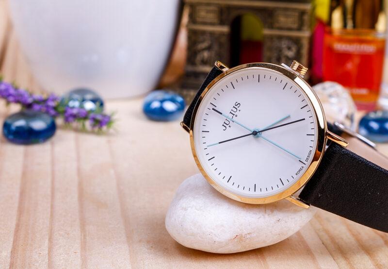 Một số lưu ý khi sử dụng đồng hồ nữ