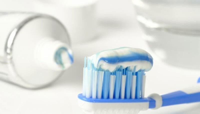 Lý do nên dùng kem đánh răng