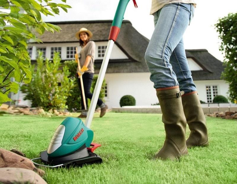 Tại sao nên sử dụng máy cắt cỏ cầm tay