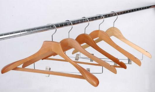 Cách bảo quản móc treo quần áo giúp kéo dài tuổi thọ