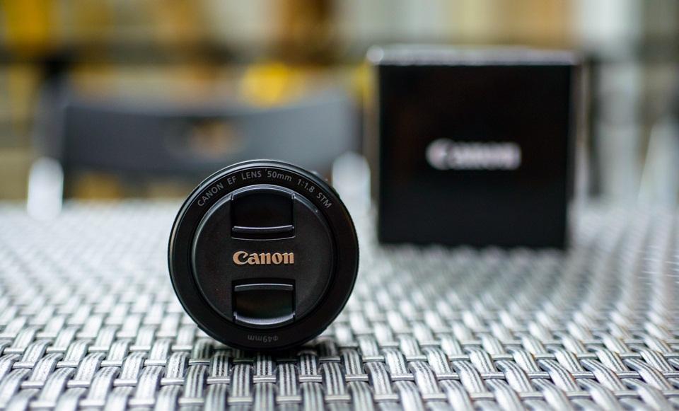 Ống kính máy ảnh là gì