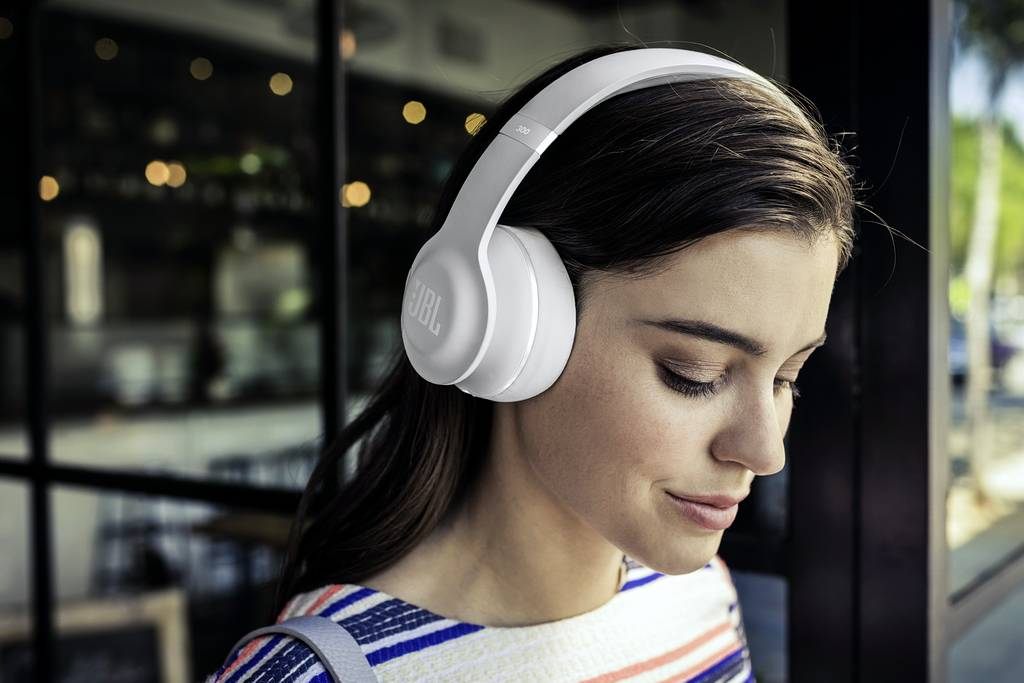 Một số lưu ý quan trọng khi sử dụng tai nghe chụp tai