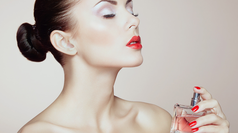 Cách sử dụng nước hoa nữ