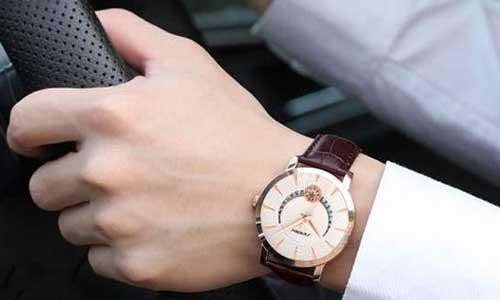 Top 5 đồng hồ nam đẹp và lịch lãm giúp các quý ông định hình phong cách 14