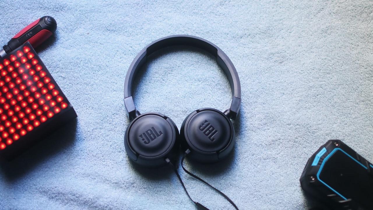 Các loại tai nghe chụp tai