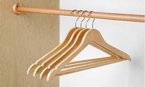 Top 5 móc treo quần áo tốt nhất giúp bạn treo móc quần áo gọn gàng 3